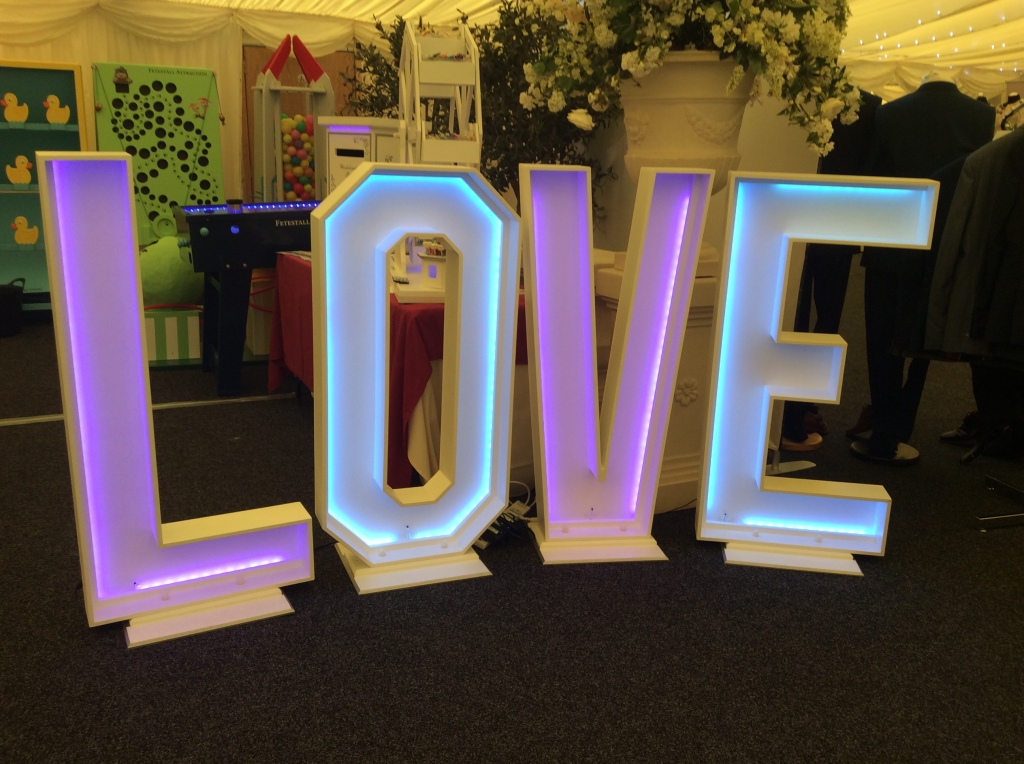 LOVE sign for hire for weddings in the midlands 2